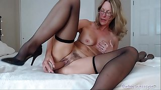 Naughty Mature Camgirl The Best Camshow